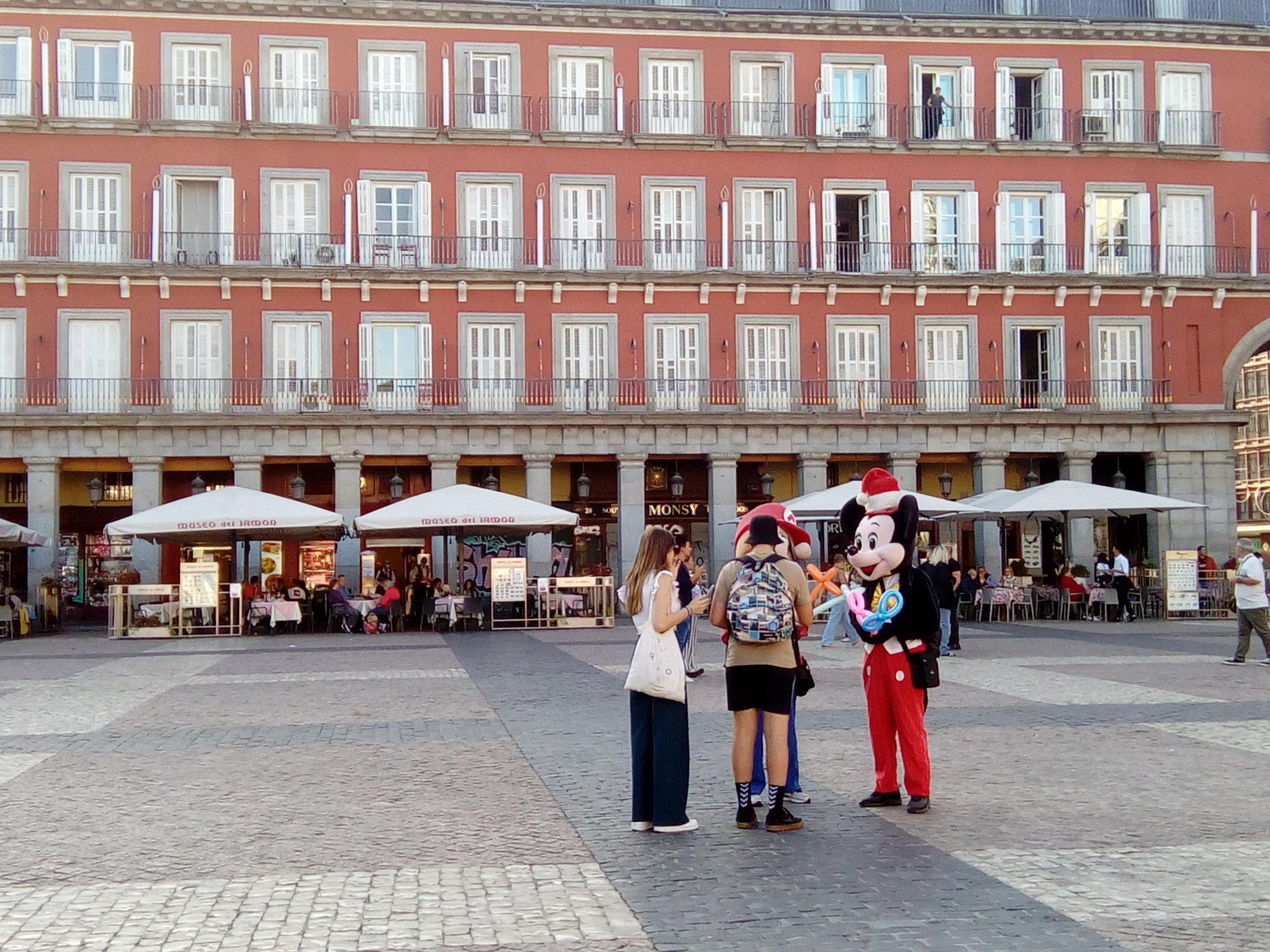et maintenant Madrid/ Y ahora Madrid